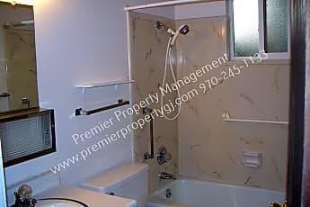 Bathroom, 1520 Cedar Ct Apt 27, 1
