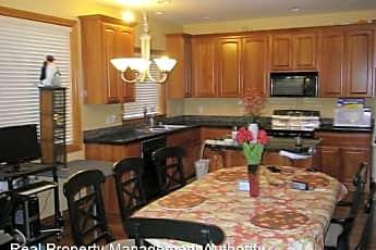 Kitchen, 8619 NE 31st Cir, 1