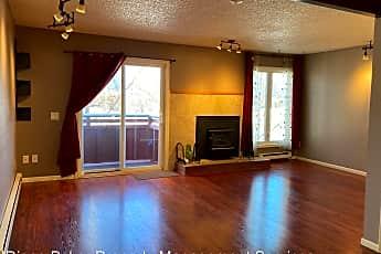 Living Room, 7782 Boundary Ave, 0