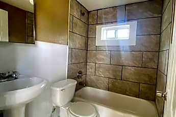 Bathroom, 3702 Lee St, 1