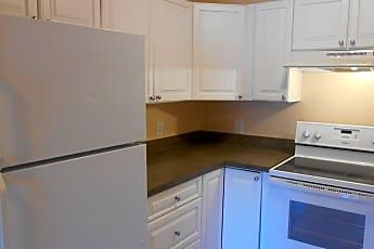 Kitchen, 1015 Elm St, 1
