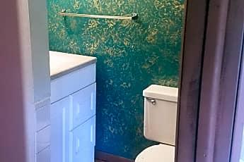 Bathroom, 340 4th Ave, 2