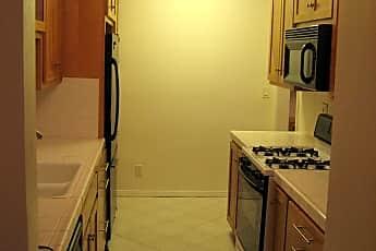 Kitchen.jpg, 6135 Green Valley Circle, 2