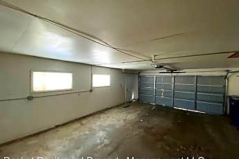 Bathroom, 38 S Pontiac Dr, 2