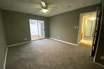 Living Room, 1456 Bluebird Terrace, 2