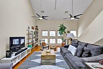 Living Room, 918 Ruthven St, 0