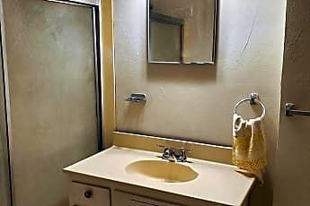 Bathroom, 1006 S Chicago Ave, 2