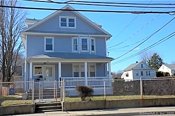Building, 33 Wilton Ave 3, 0