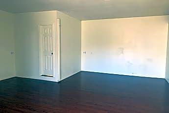 Living Room, 1007 S Big Spring St, 1