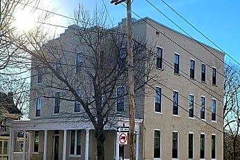 Building, 203 S Prospect St 8, 1