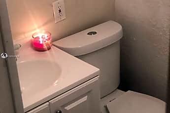 Bathroom, 4624 NW 15th Ct EFF, 0