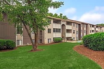 Building, The Pines of Roanoke Apartments, 1