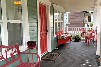 Patio / Deck, 2817 N Warner St, 1