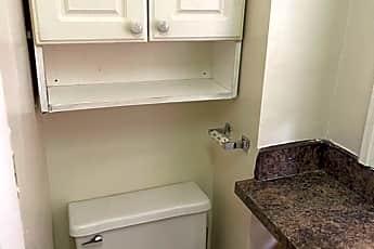 Bathroom, 1634 Wakeling St, 2