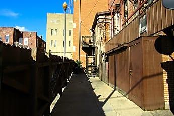 Court Street Apartments 167.JPG, 19 1/2 B South Court Street, 1