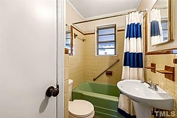 Bathroom, 625 Coleman St, 2