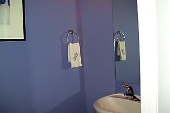 Bathroom, 777 King George Blvd #60, 1
