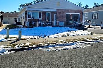 Pool, 61 Woodstock Dr, 0