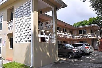 Building, 1585 NE 125th St 2, 0
