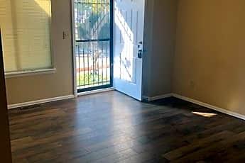 Living Room, 804 Lashley St, 0