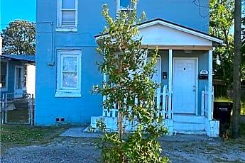 Building, 1105 W Bay St B, 0