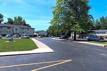Willow Creek Apartments, 0