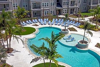 Pool, Volaris Live Oak, 2