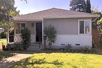 Building, 105 El Prado Ave, 2