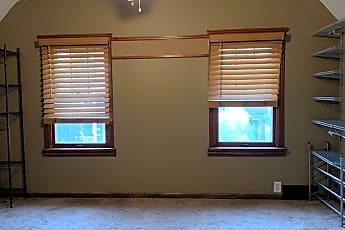 Living Room, 7000 Fullerton Ave, 0
