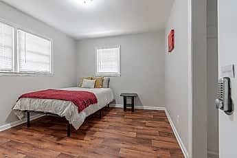 Bedroom, Room for Rent -  a 5 minute walk to bus 850 and 85, 2