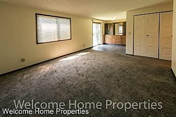 Living Room, 532 E Alder St, 0