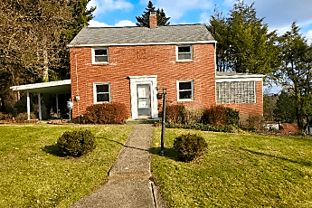 Building, 213 Milliken Ave, 0