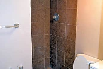 Bathroom, 355 Lindell Ave, 2