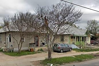 Building, 4115 S Presa St, 2