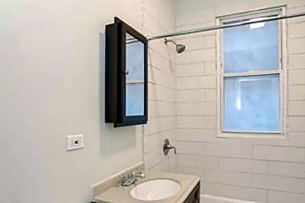 Bathroom, 6615 S Paulina, 1