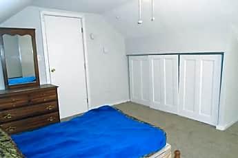 Bedroom, 1/2 Pulaski St, 2
