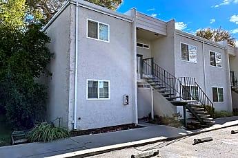 Building, 573 W Latimer Ave, 1