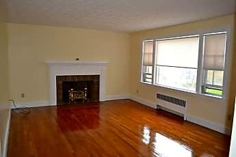 Living Room, 33 Oak Ave, 1