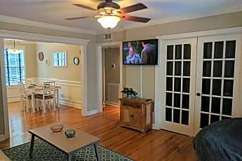 Living Room, 715 N Calhoun St, 1