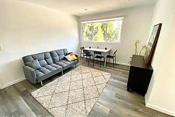 Living Room, 3160 Warwick Ave., 0