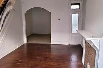 Living Room, 2421 N 32nd St, 1