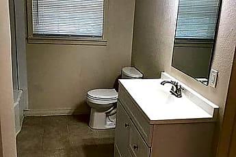 Bathroom, 608 W Dill St, 2