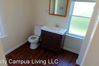 Bathroom, 218 Laurel Ave, 2