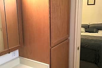 Bathroom, 627 100 W, 2