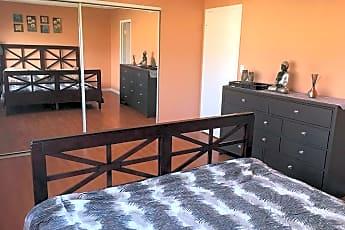 Bedroom, 4932 Plaza Escuela, 2