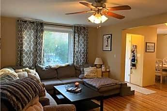 Living Room, 253 W Chester St, 0
