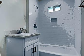 Bathroom, 4559 N Figueroa St, 1