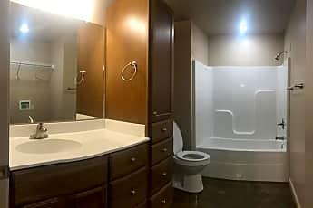 Bathroom, 1407 S 7th St, 1
