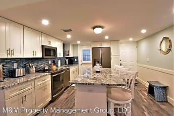 Kitchen, 3808 Gulf of Mexico Dr, 1