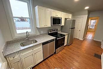 Kitchen, 1328 Margaret St, 1